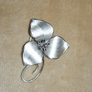 Bond Boyd Trillium Flower Sterling Pin