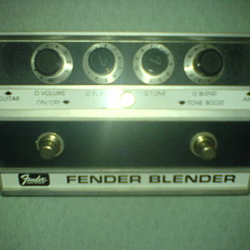 Fender Blender, fuzz pedal - Guitars