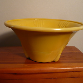 WHERE DOES IT GO  Art Deco Slag Glass Vase Yellow w 5 Darts ( Planter) - Glassware