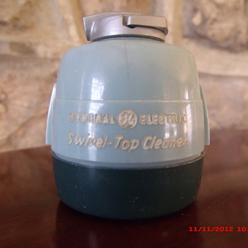 1950's General Electric Swivel-Top Cleaner Advertising Sewing Kit