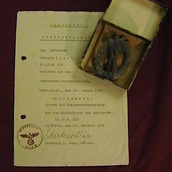 WW II German Infantry Assault Badge and Award Notification Certificate - Military and Wartime