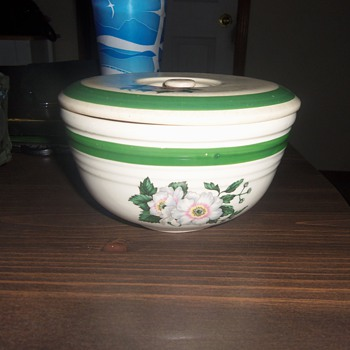 vintage bake oven utility bowl wit rare flower pattern - Kitchen