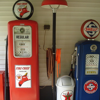 Gas pumps - Petroliana