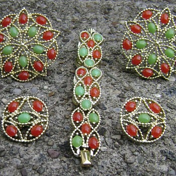 Sarah Coventry Brooch Set - Acapulco