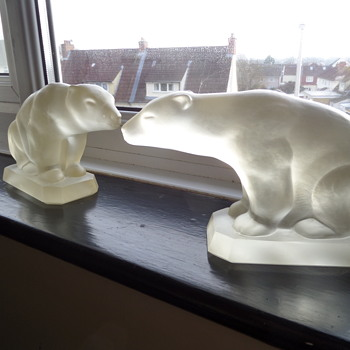 Frosted Glass Polar Bear bookends by Geza Hiecz for Etling. - Books