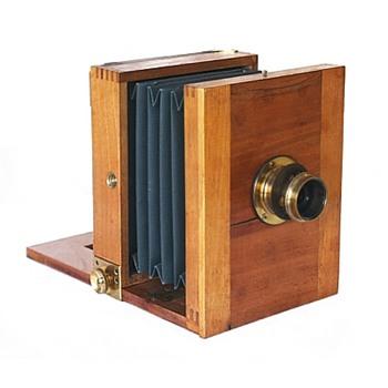 Chambre de Voyage Camera. European, 1890s - Cameras