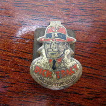 Dick Tracy Detective Club Pin - Medals Pins and Badges