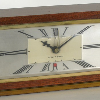 Seth Thomas Baxter Electric Desk Clock, 1947