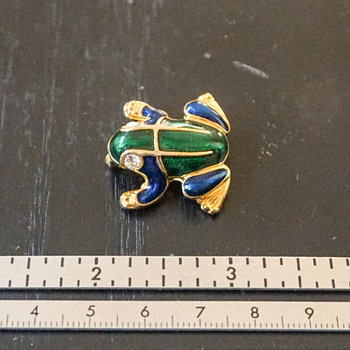 Enamel Frog Pin - Costume Jewelry