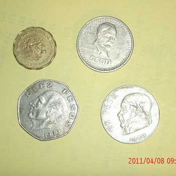 Many different coins - US Coins