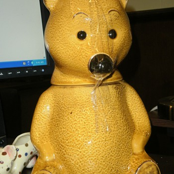 Early Pooh Bear Looking Cookie Jar - Kitchen