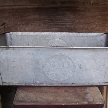 VINTAGE ALUMINUM  A&P  COOLER PAN? - Advertising