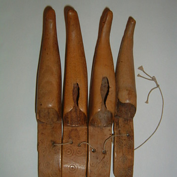 Native American? carved bear claws for costume?