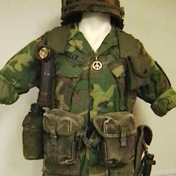 U.S. Army Vietnam Era Web Equipment - Military and Wartime