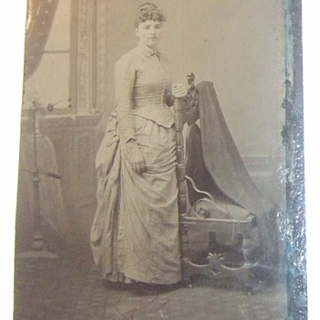 Posing stand often attributed to Post Mortem Photography