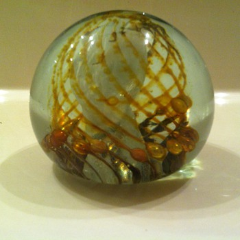 Elegant Isle of Wight Gold & White Swirled Paperweight