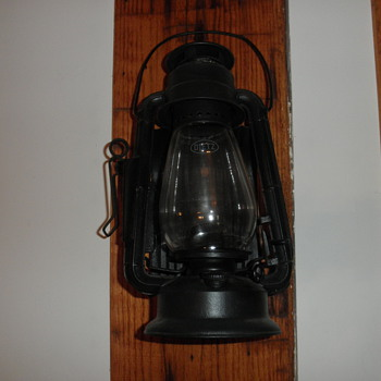 Dietz Junior wagon lantern - Lamps