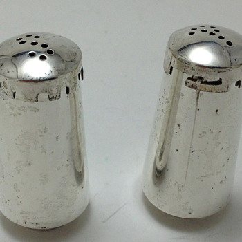 SALT & PEPPER SHAKERS - La Amatista - Taxco, Mexico - Sterling Silver