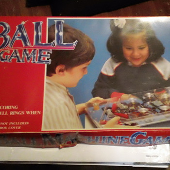VINTAGE PINBALL MACHINE GAME  GRAND PIX MINT - Games