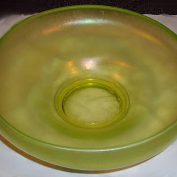 Console bowl? Steuben? - Art Glass
