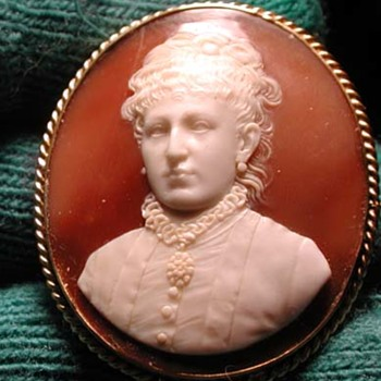 Portrait cameo of Victorian women