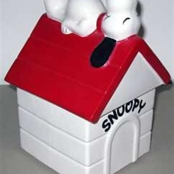 Snoopy on the Doghouse Jar - Pottery