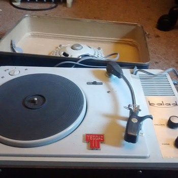 Teppaz Balad French made Record player vintage retro era working condition with speaker.