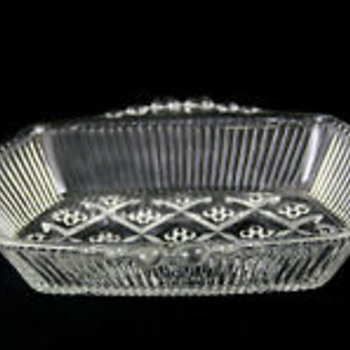 raised dots-diamond and line pattern rectangular dish - Glassware