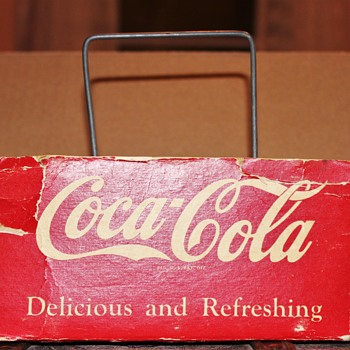Real or ????? This predates the six pack carrier by around 20 years??? Help! - Coca-Cola