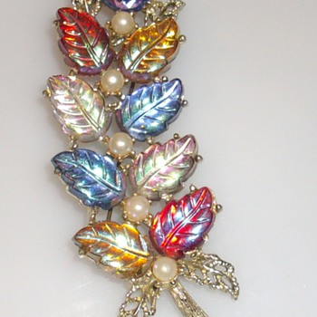 molded glass leaves & pearl brooch. Schiaparelli? - Costume Jewelry