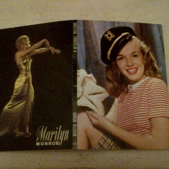 "marilyn monroe 1953 /#11/9 detachable postcards booklet, publicity stills for ""Gentleman Prefer Blonds."" - Movies"