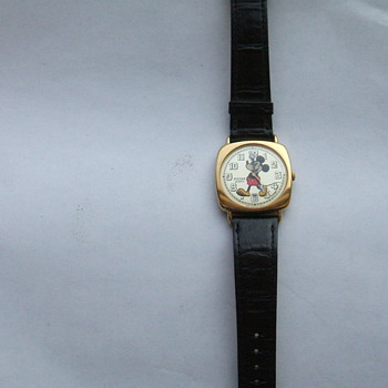 Pulsar Mickey with Date  Wristwatch