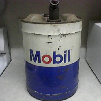 MOBIL 5LBS. GAS/OIL CAN