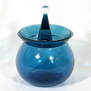 Nanny Still's HARLEKIINI covered candy bowl - Art Glass