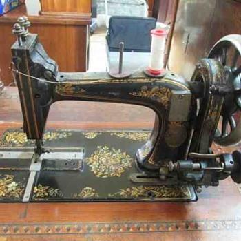 German Transverse Sewing Machine - Sewing