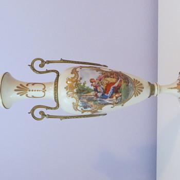 Naomi's Urns