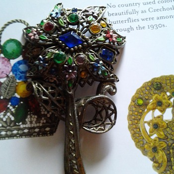 Czech?? Flower Brooch - Costume Jewelry