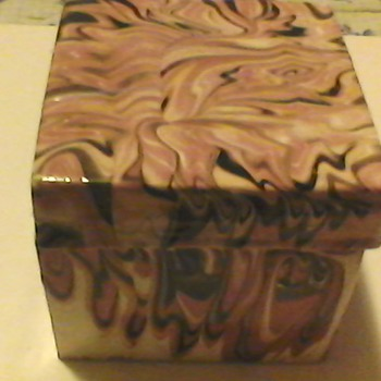 PINK  SLAG ITALIAN BOX  - Art Pottery