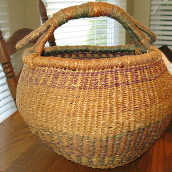 Vintage Basket, is this Native American? Opinions appreciated. - Native American