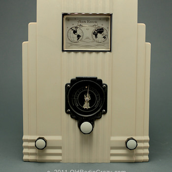 Air King Model 66 Ivory Plaskon Tube Radio - Radios