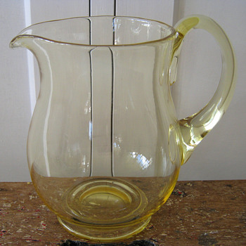 LARGE CITRON JUG