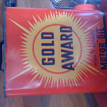 Gold Award Motor Oil can - Petroliana