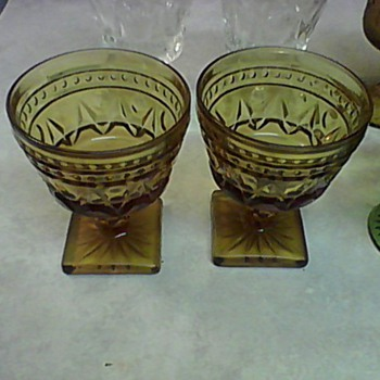 AMBER PATTERN GLASSES - Glassware