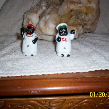 black americana salt pepper shakers