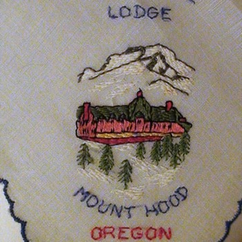 "Timberline Lodge Oregon Vintage Hankie ""The Shining"" - Accessories"