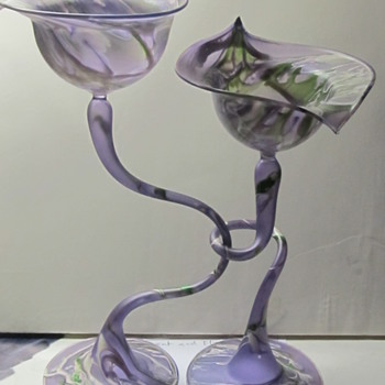 Very light intertwined glasses  - Art Glass