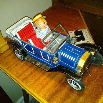 1950's Billy and Betsy Jolly Car Battery Operated - Toys