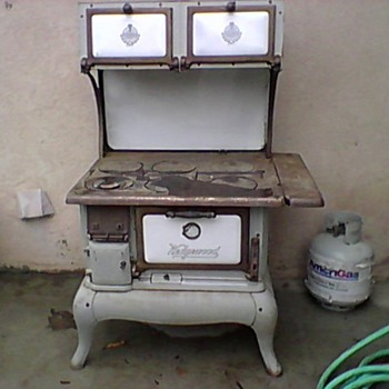 wedgewood wood fueled cook stove