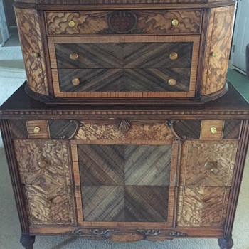 Please help me with a year estimate of this beautiful dresser!