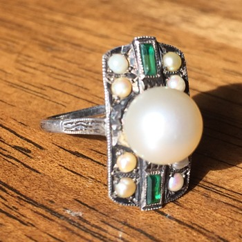 Vintage Pearl and Emerald Ring Unmarked.  Silver? White Gold? - Fine Jewelry
